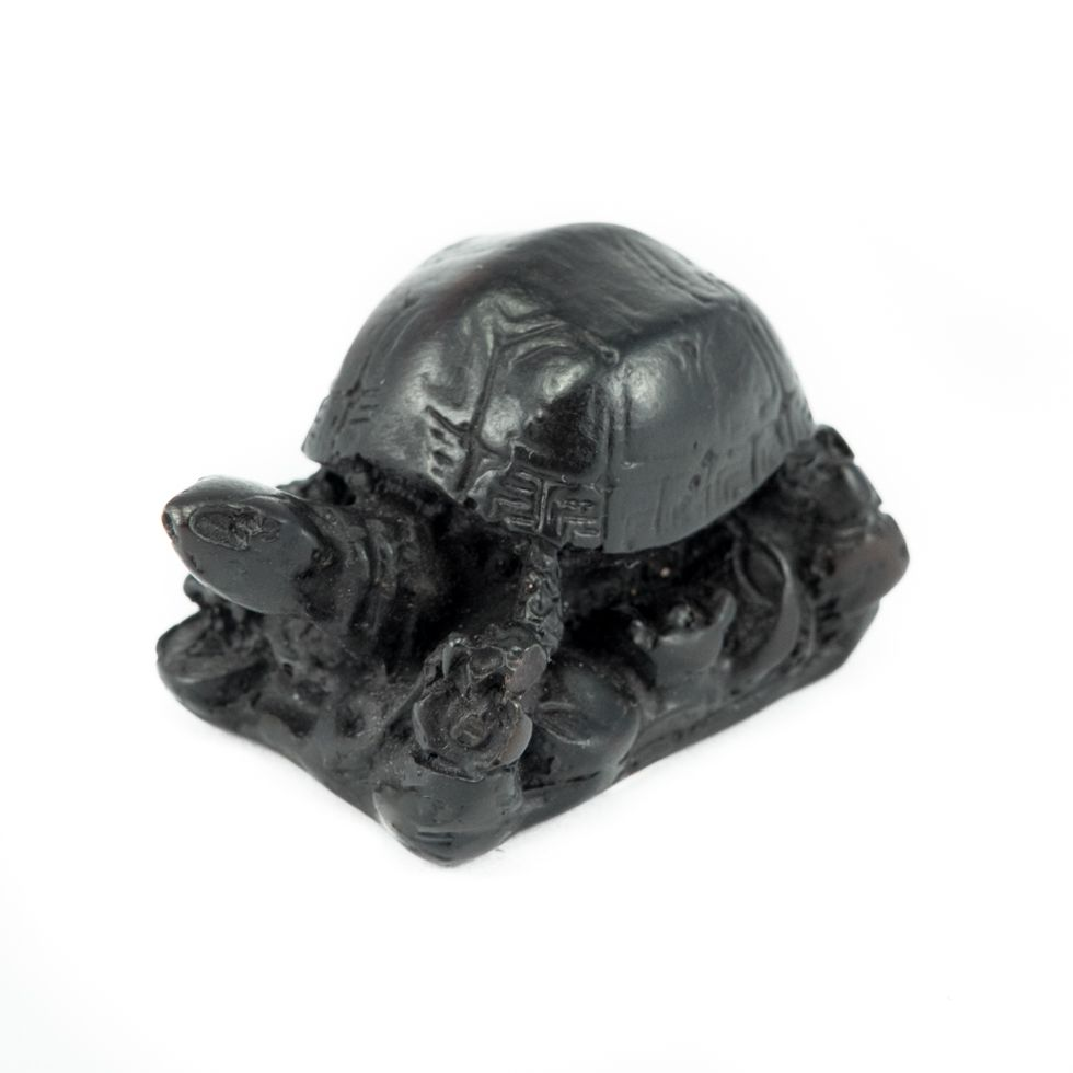 Soška z pryskyřice Želvička na podstavci