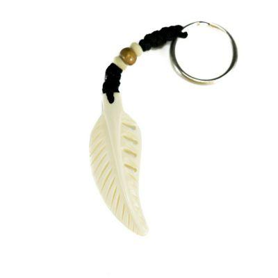 Přívěsek na klíče Kostěné pírko - bílý