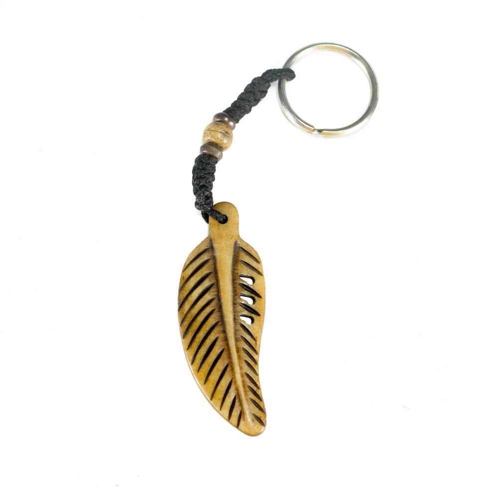 Kostěný přívěsek na klíče Kostěné pírko - hnědý