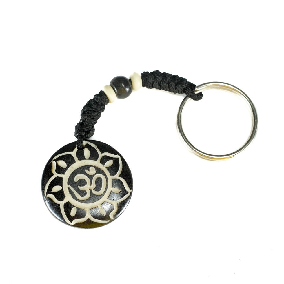 Kostěný přívěsek na klíče Om di bunga teratai hitam