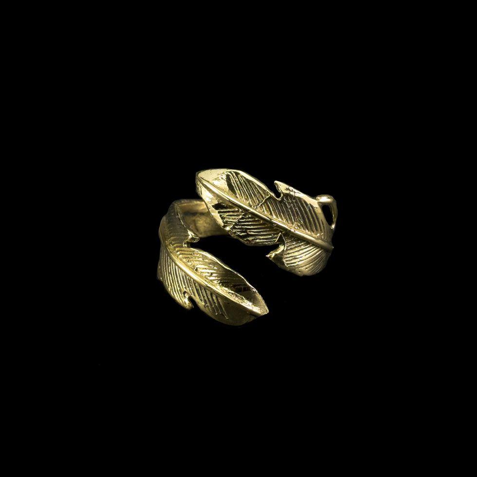 Mosazný prsten Feather