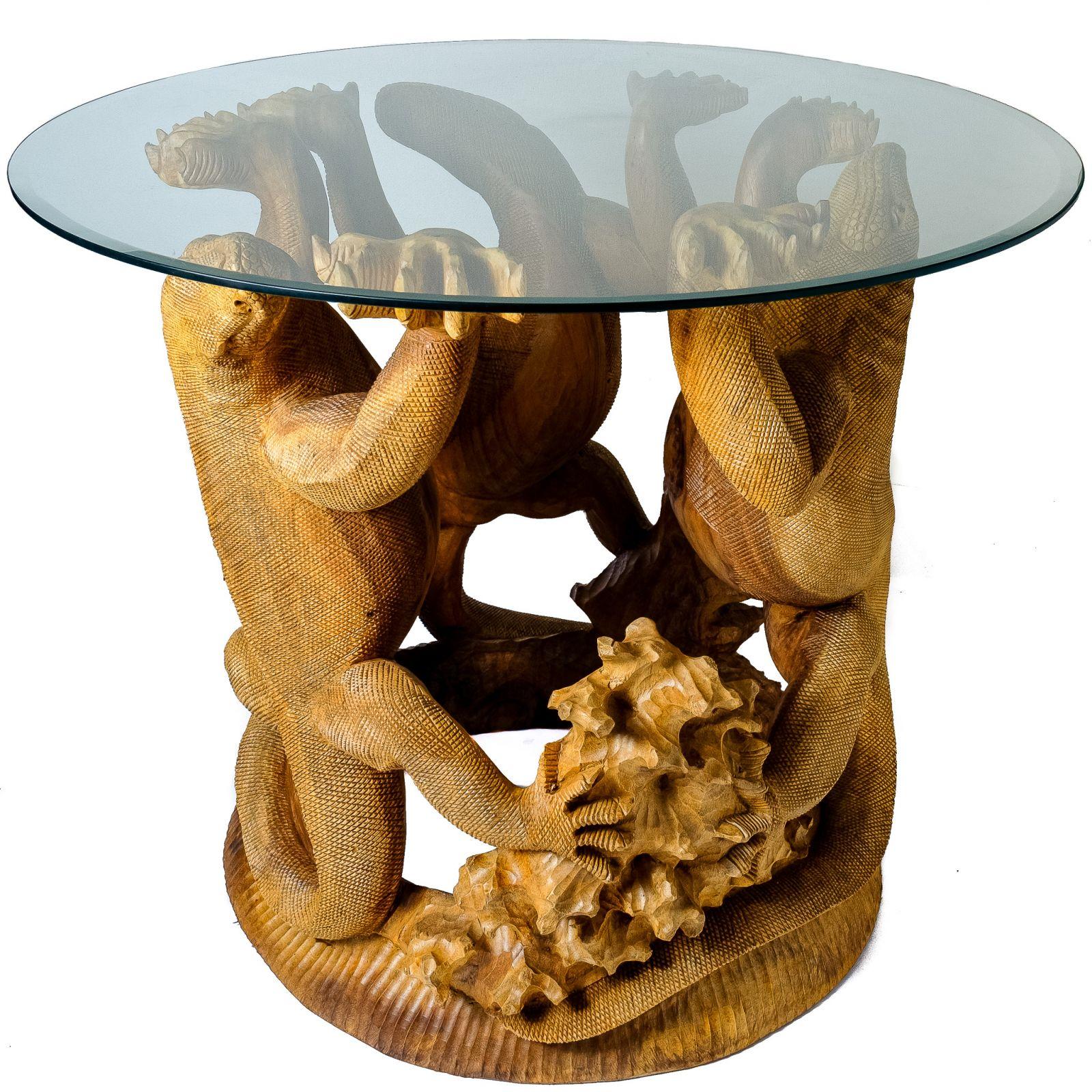 Ručně vyřezávaný dřevěný stolek Varani Indonesia
