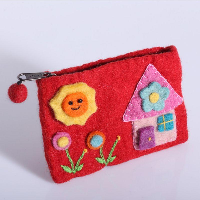 Plstěná taštička s domkem červená