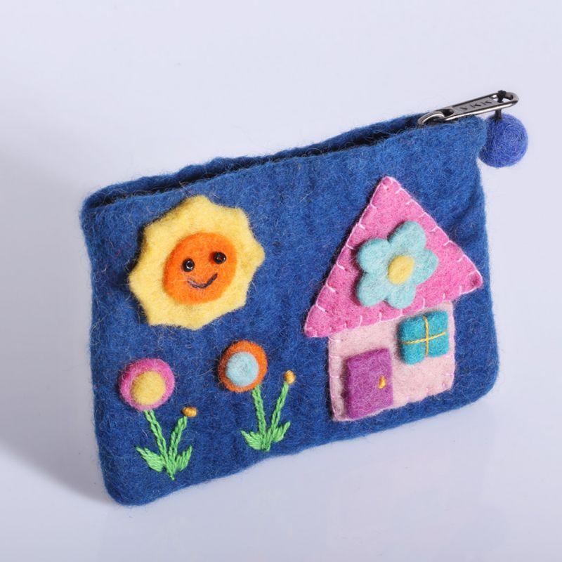 Plstěná taštička s domkem modrá