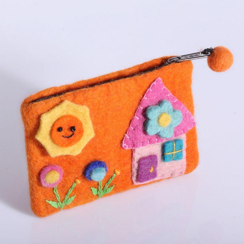 Plstěná taštička s domkem oranžová