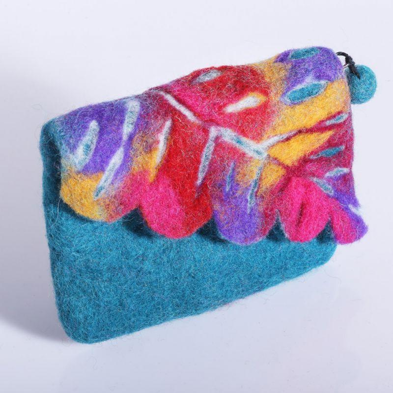 Plstěná taštička s barevným listem Tyrkysová