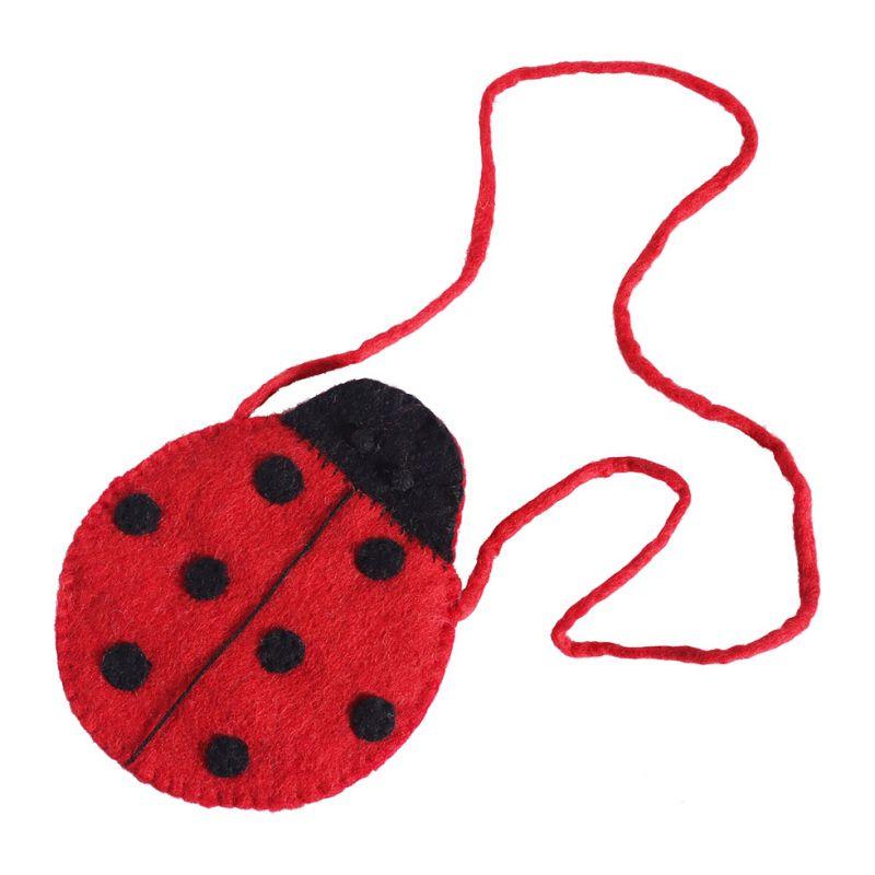 Plstěná kabelka ve tvaru berušky