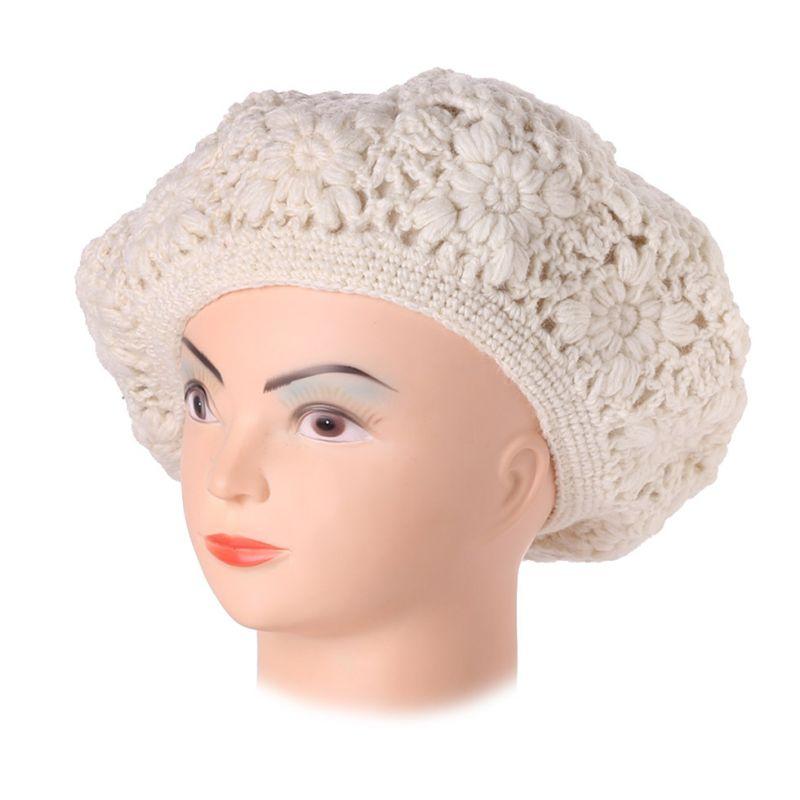 Háčkovaný baret Laras White